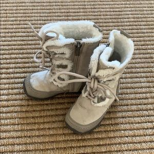 Nine West Light Grey Toddler Furry Boots Size 6